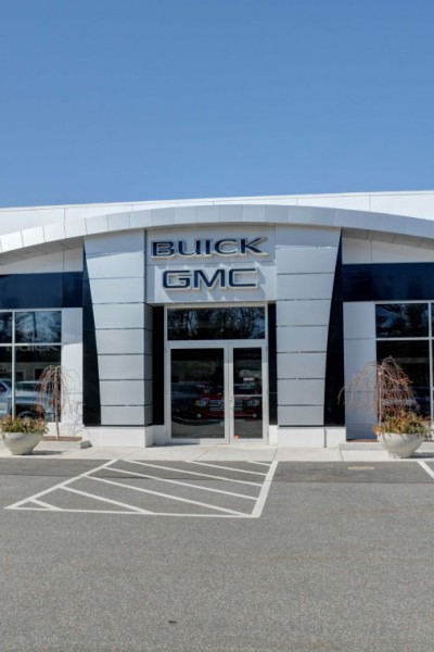 Gates GMC Buick Nissan NV (North Windham, CT)